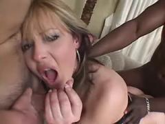 Hungry gorgeous shemale in threesome on sofa