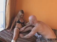 Blonde shemale has oral fun with horny dude